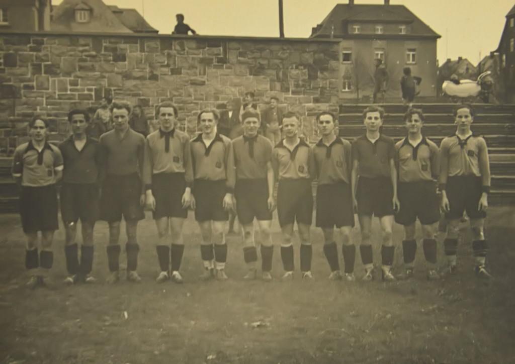 1938: EINWEIHUNG DER JAHN-KAMPFBAHN
